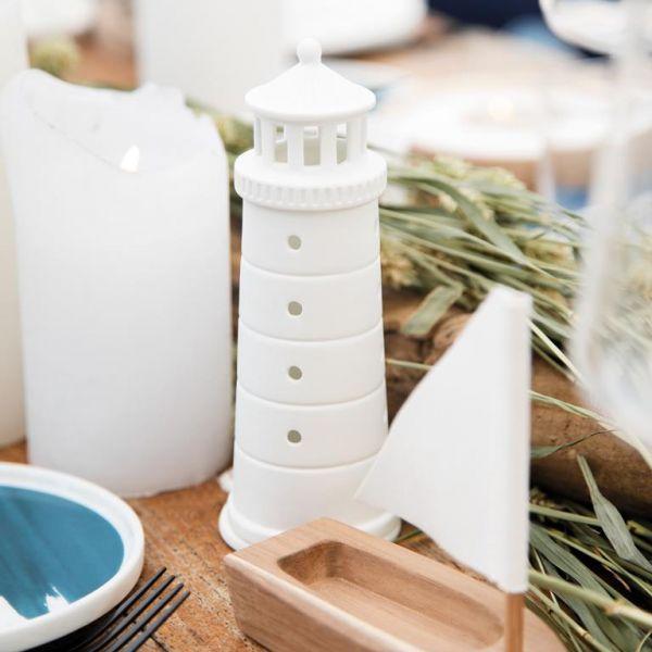 Räder Leuchtturm Design: Özkaya